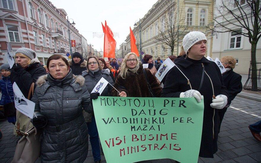 Four of five teachers' unions end two-week strike