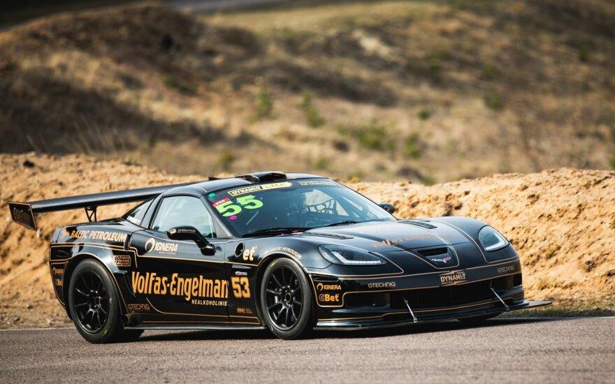 """""""Dynami:t Energy Racing"""" standartinė """"Corvette"""" tapo lenktyniniu """"gyvuliu"""": ar sulauksime naujų rekordų?"""