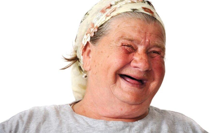 Linksma senutė