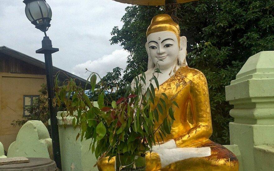Kaip neišprotėti Mianmaro gatvėse ir kodėl šypsosi Buda