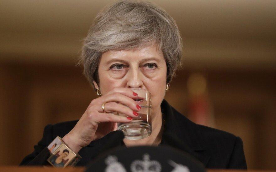 Theresa May surengė spaudos konferenciją