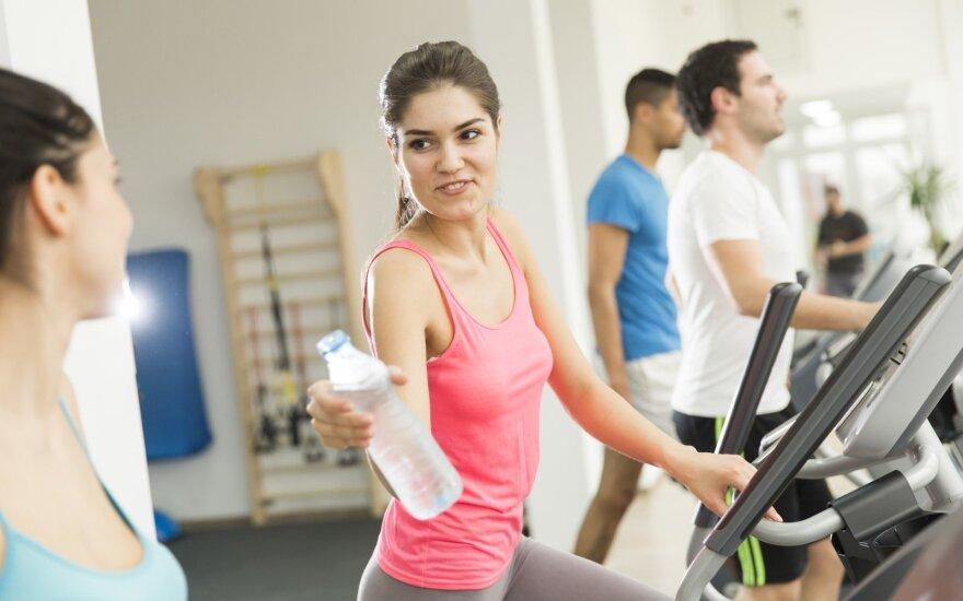 Siūloma už darbuotojų skatinimą sportuoti mažinti mokesčius