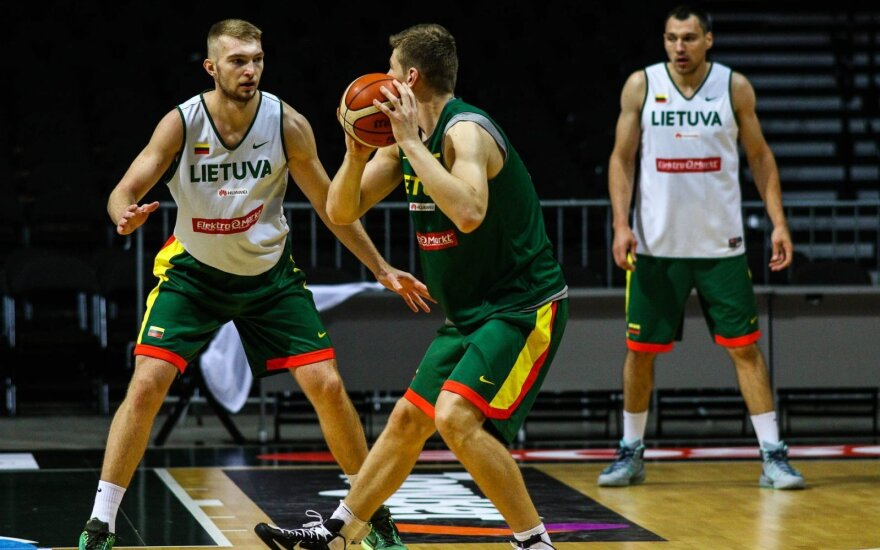 Head coach announced final line-up of Lithuanian national basketball team for EuroBasket 2015