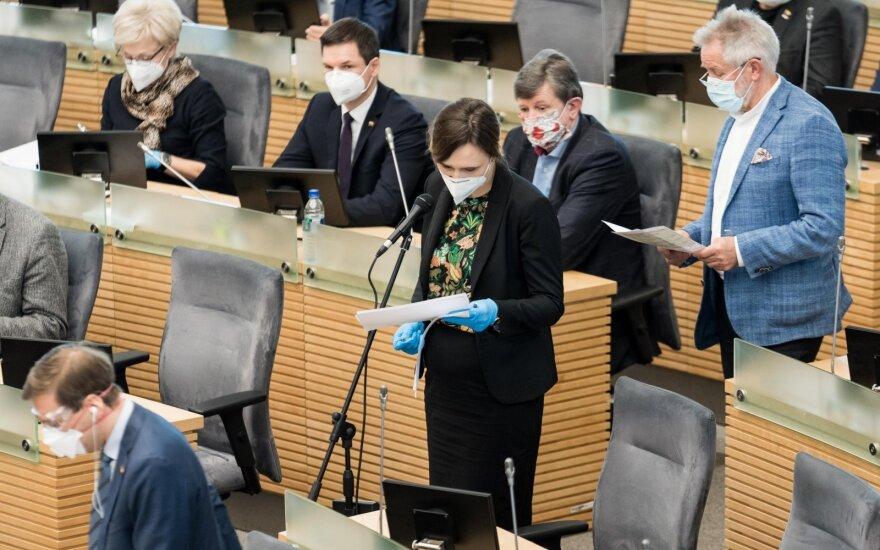 Seimo opozicija rengia nenumatytą parlamento posėdį, valdantieji žada jame nedalyvauti