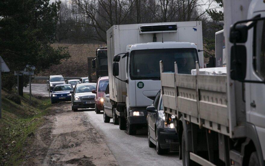 Skambina pavojaus varpais: tolimųjų reisų vairuotojai gali likti be pensijų