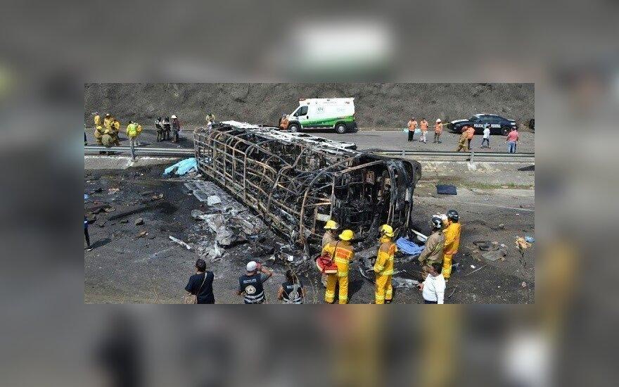 Autobuso katastrofa Gvinėjoje