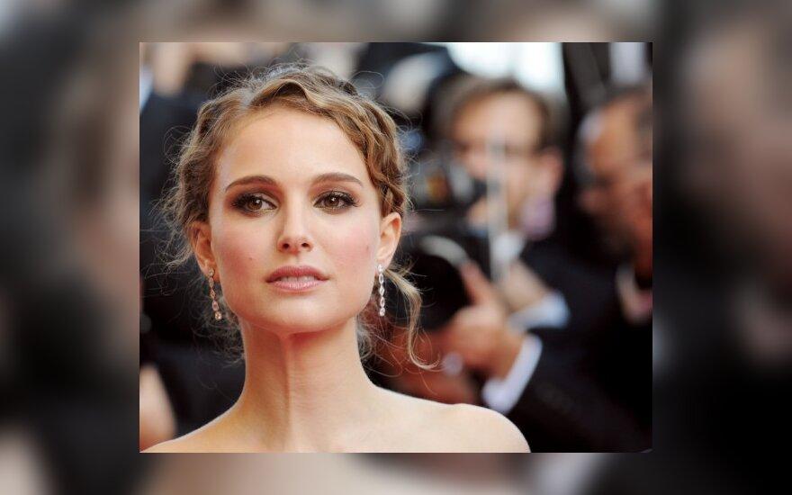 Seanas Pennas su žmona skiriasi dėl Natalie Portman?