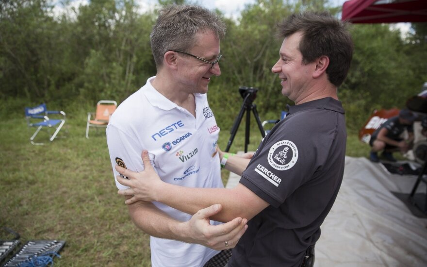 Susitiko Saulius Jurgelėnas ir Antanas Juknevičius