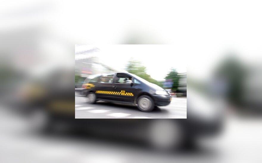 Taksi tarifai pasuko žemyn