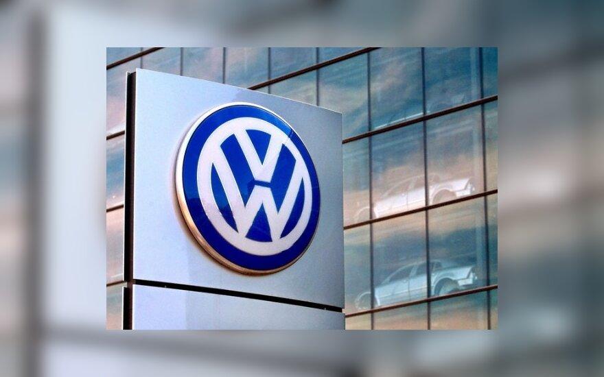 """""""Volkswagen"""" aplenkė """"Toyotą"""" pagal parduodamus automobilius"""