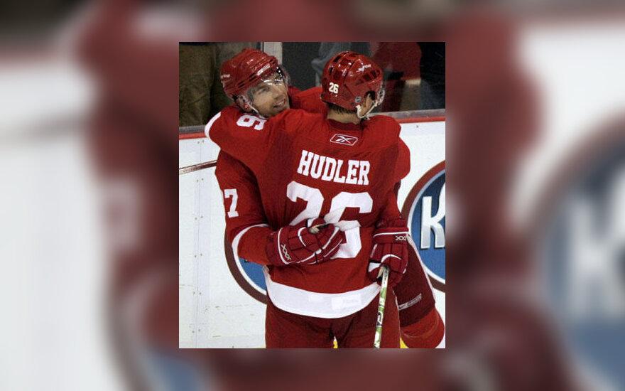 """Detroito """"Red Wings"""" komandos draugas sveikina Jiri Hudlerį"""