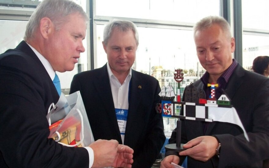 Klaipėdos meras burlaivius iš viso pasaulio į Lietuvą pakvietė džiazu