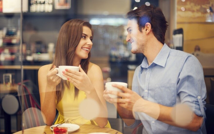 Atsitiktinė pažintis prie kavos puodelio peraugo į beprotiškai romantiškas atostogas