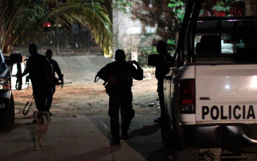 Meksikoje areštuota pora, vežimėlyje vežusi žmonių kūnų dalis