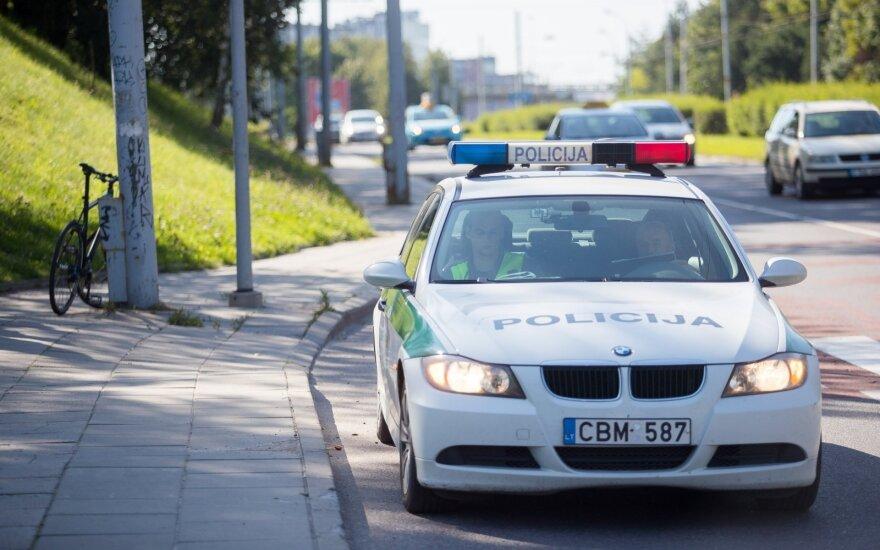 Marijampolėje automobilis partrenkė dviračiu važiavusį policijos darbuotoją