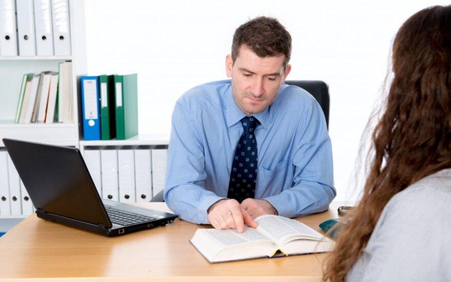 Į darbo pokalbį atėjusi moteris: nustėrau, kai pamačiau, kas ten dirba