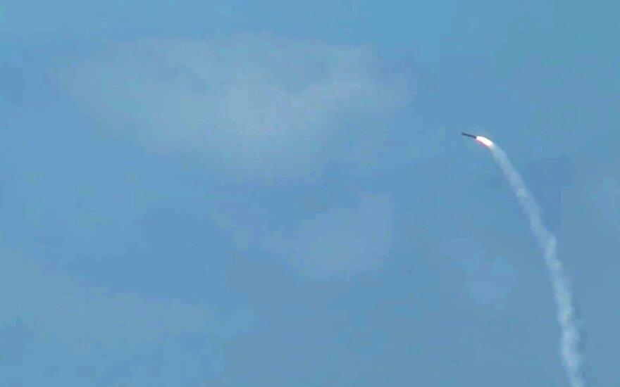 Šiaurės vakarų Sirijoje per oro antskrydžius žuvo mažiausiai 10 civilių