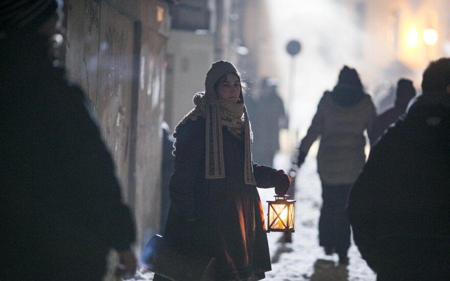 """BBC serialo """"Karas ir taika"""" filmavimas Vilniuje"""