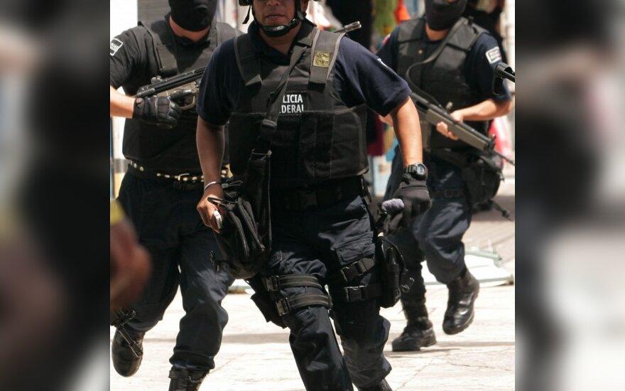 Meksikos policija rado 12 nukankintų asmenų kūnus