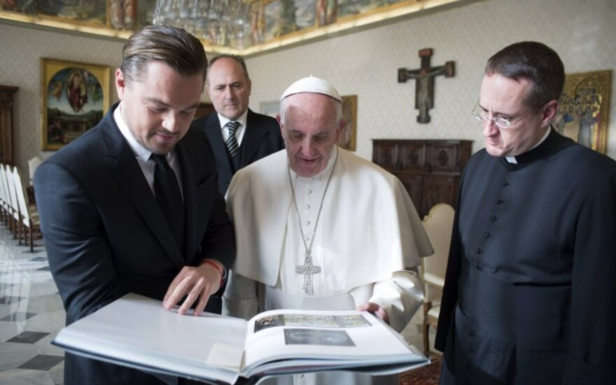 Leonardo DiCaprio susitiko su popiežiumi Pranciškumi