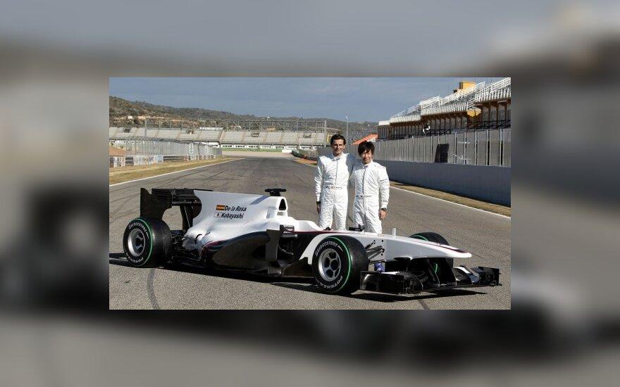 "Kamui Kobayashi ir  Pedro de la Rosa prie ""Sauber C29"" bolido"