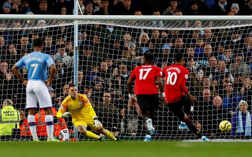 """""""Man City"""" pralaimėjo derbį ir paleido """"Liverpool"""" į priekį jau 14 taškų atstumu"""