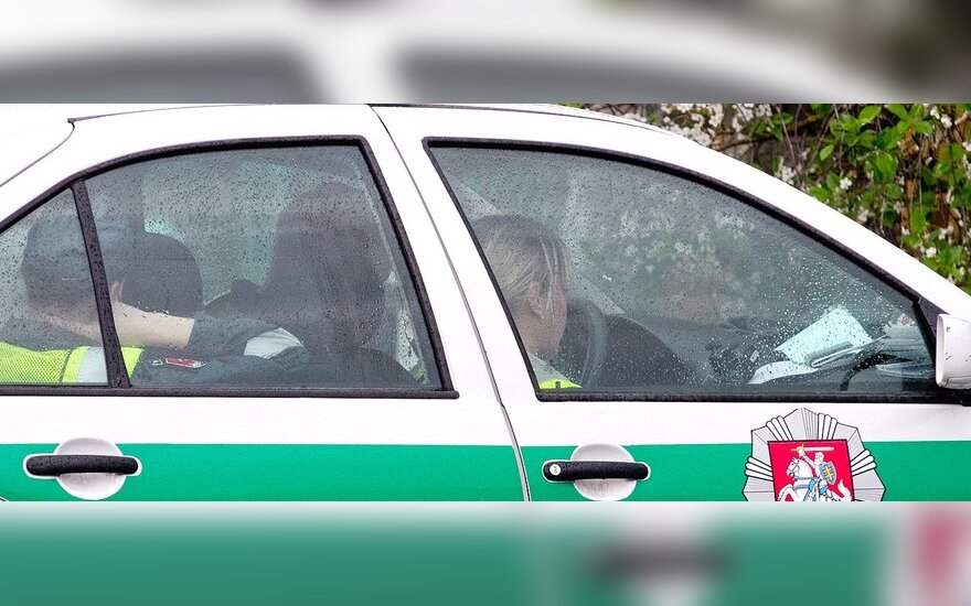 Kolegas kelyje tikrinę pareigūnai užfiksavo 3 pažeidimus
