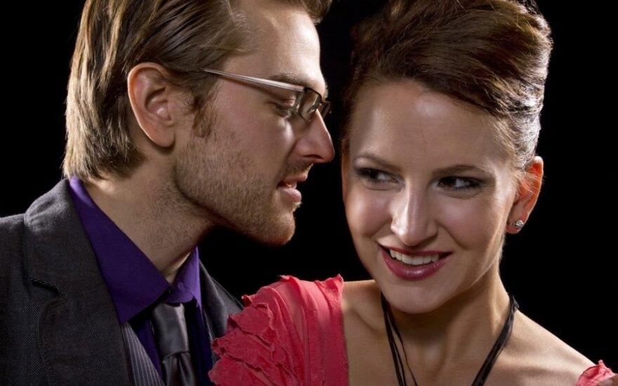 Mitus apie santykius griaunantys eksperimentai: kaip mato ir į ką žiūri moterys ir į ką – vyrai