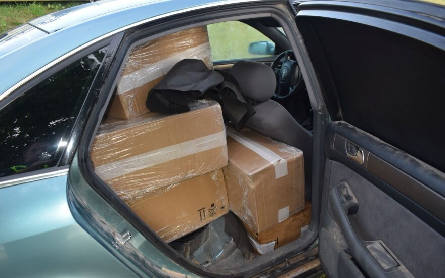 "Alytaus rajone kontrabandą gabenusį bėglį sustabdė tik ""ežys"""