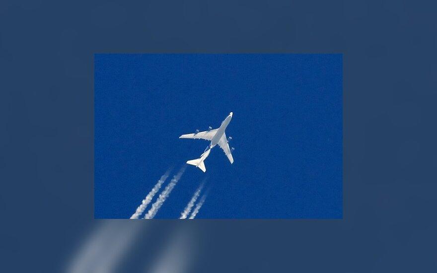 Keleiviai prieš skrisdami galės nurodyti asmenį, kurį informuoti įvykus avarijai
