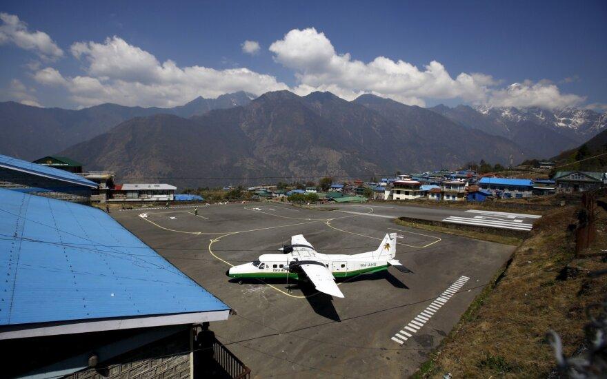Nepalo tarptautinis oro uostas trumpam uždarytas dėl pastebėto leopardo