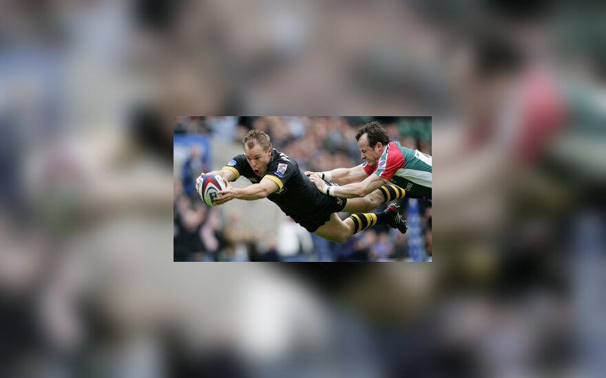 """Regbio rungtynių akimirka: kova dėl kamuolio tarp """"Wasps"""" ir """"Leicester"""" žaidėjų."""