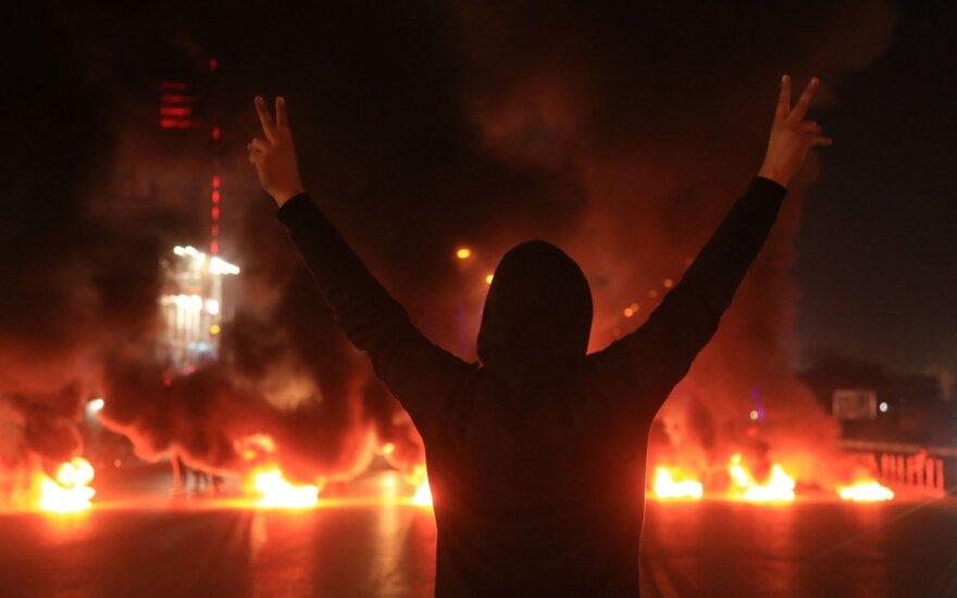 Protestuotojas Irako mieste Karbaloje