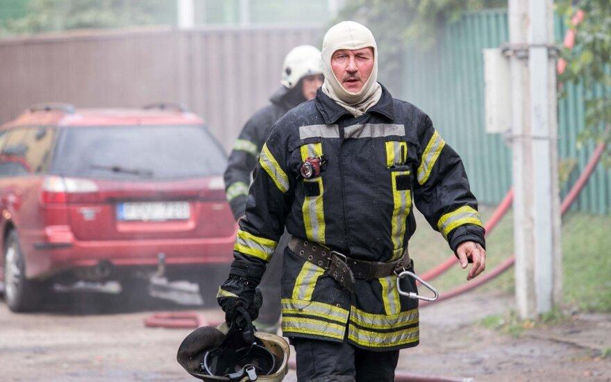 PAGD vadovas: gaisrų atvirose teritorijose mažėja, tačiau daugėja žuvusiųjų namuose