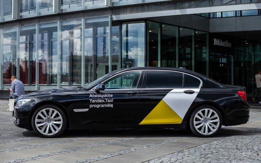 Yandex.Taxi vehicle