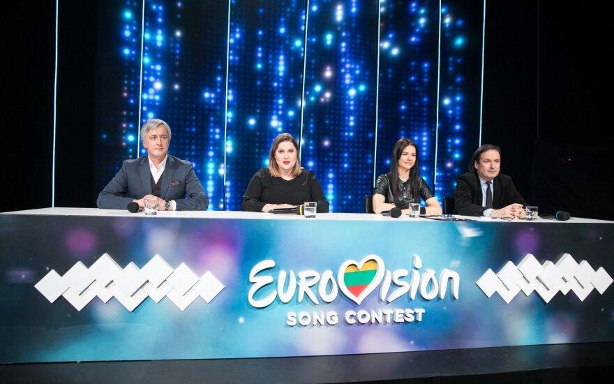 """Tapti """"Eurovizijos"""" finalo komisijos nariu siekiantys skaitytojai toliau stebina savo išmone: filmuojasi ir siunčia eiles"""