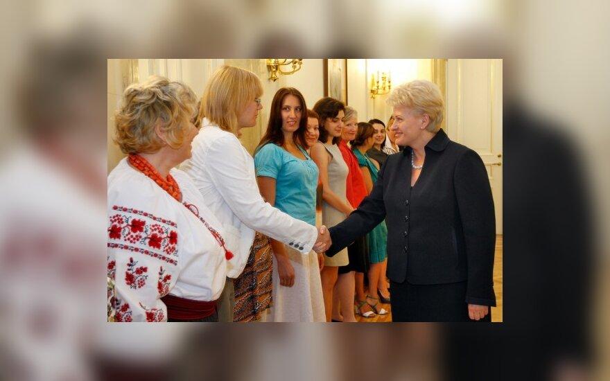 D.Grybauskaitė: moterų lyderių vaidmuo yra svarbus demokratijos plėtrai
