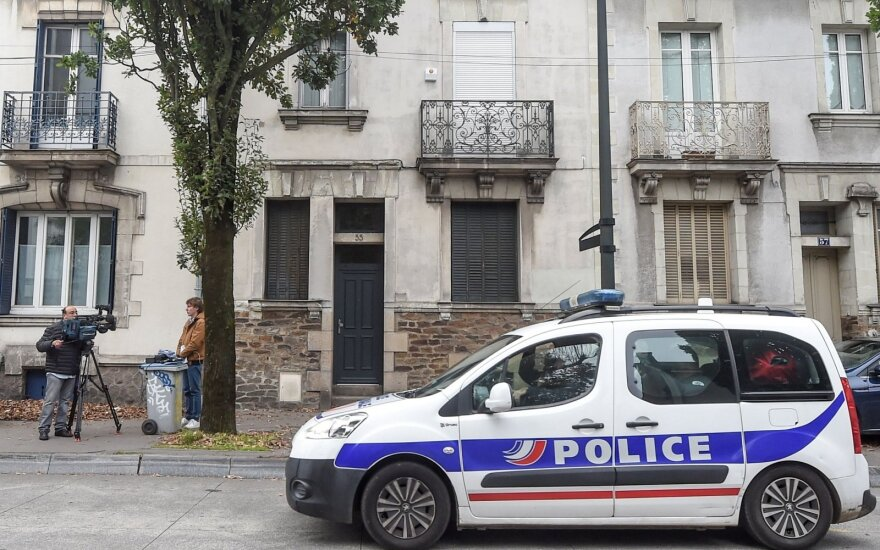 Glazge sulaikytas prancūzas nėra šeimos nužudymu įtariamas asmuo
