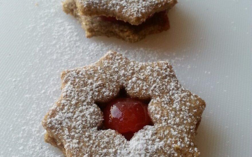 Kalėdiniai sausainiai su uogiene