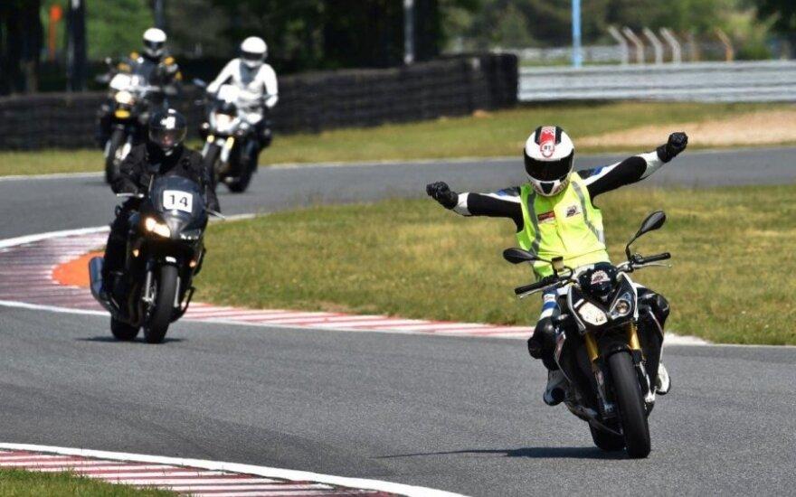 Lietuviai tapo legendinės JAV motociklų mokyklos atstovais