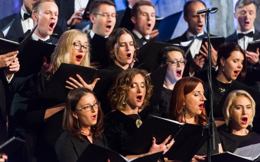 """""""Bel Canto"""" vadovai: dainuoti chore turi būti prestižo reikalas"""