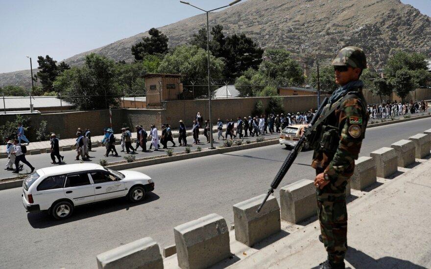 Afganistane Talibanas nužudė aštuonis policininkus, sako pareigūnai