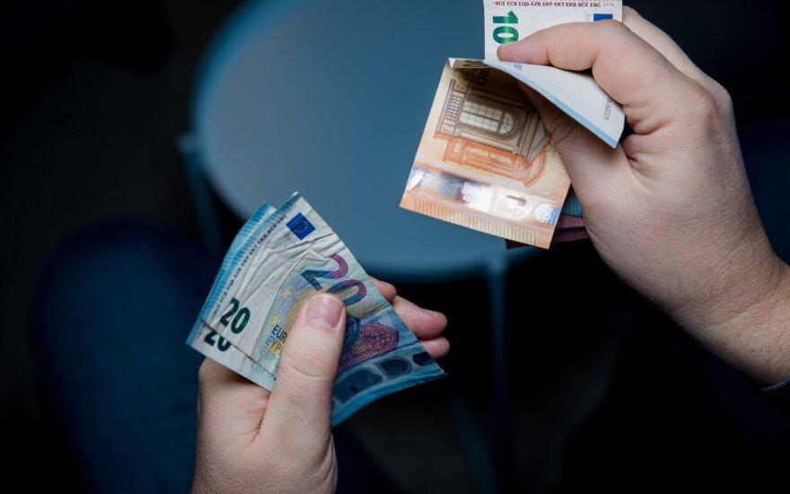 Daugiau kaip 100 tūkst. eurų pasisavinęs labdaros ir paramos fondo vadovas stos prieš teismą