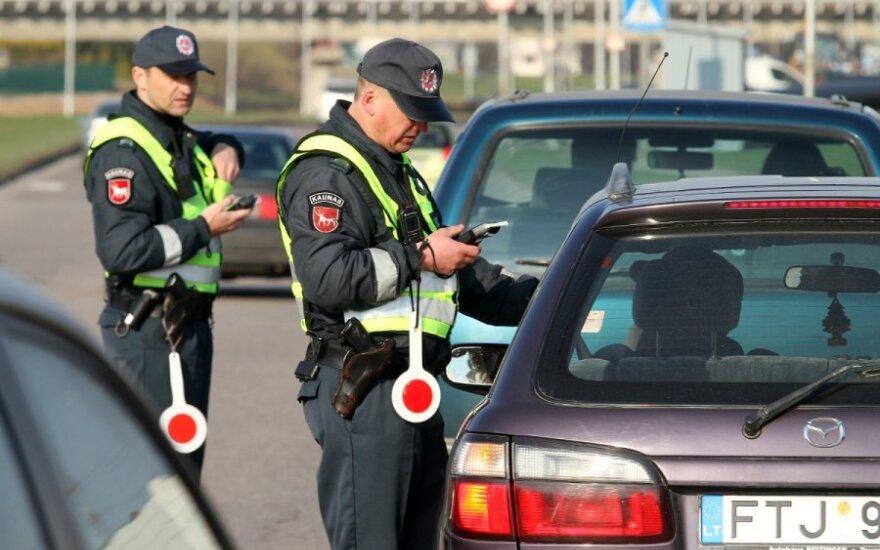 Policija nesnaudžia: girtiems vairuotojams vis mažiau galimybių neįkliūti