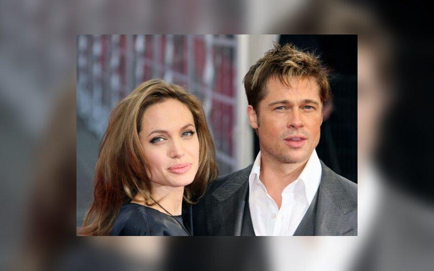 A.Jolie ir B.Pittas padavė į teismą gandonešį