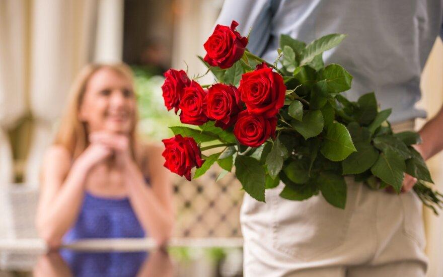 Gėlės per pirmą pasimatymą – moterys nori, bet dovanoti nereikėtų