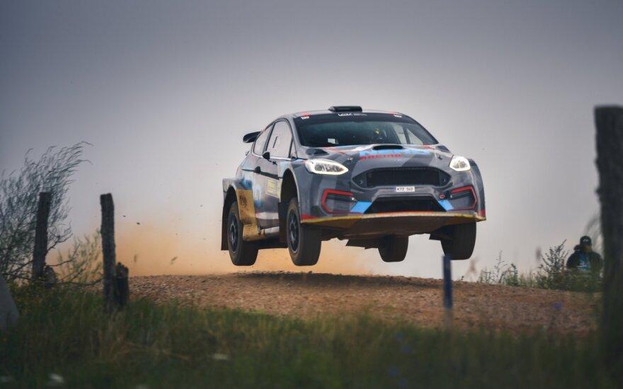 Lietuvoje startuoja unikalus projektas: dalyvauti kviečiami visi, kurie svajoja sėsti į ralio automobilį