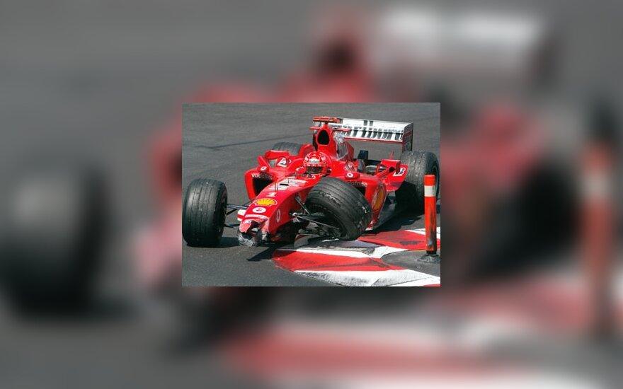 Michaelis Schumacheris papuolė į avariją Monako GP