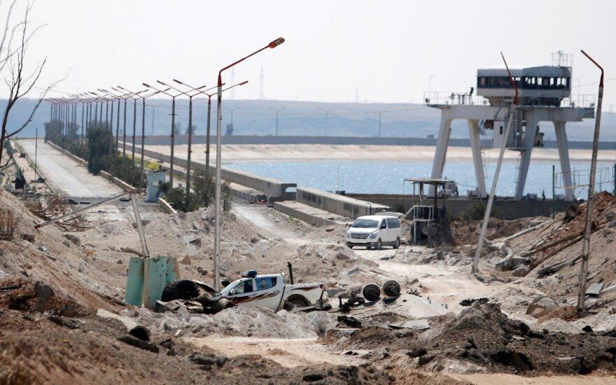JAV palaikomos pajėgos užėmė svarbų Sirijos miestą ir užtvanką