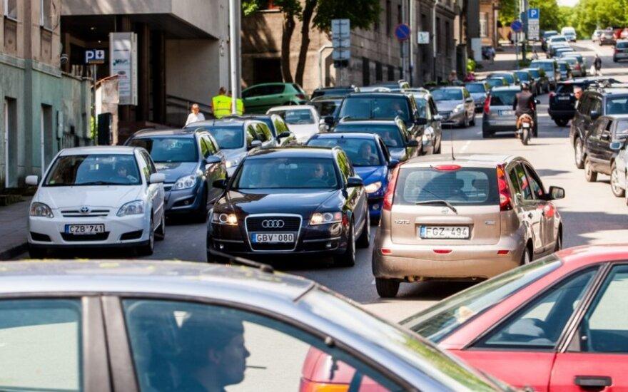 Paskelbė, kiek išregistravo automobilių